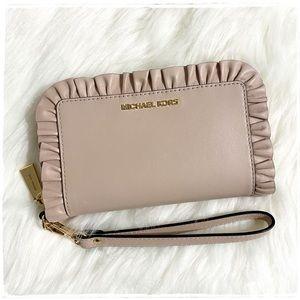 NWT! Michael Kors Phone Wristlet Wallet Ruffles